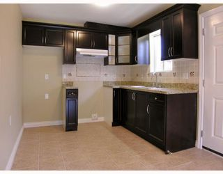 Photo 3: 5821 WOODSWORTH Street in Burnaby: Central BN House 1/2 Duplex for sale (Burnaby North)  : MLS®# V772364