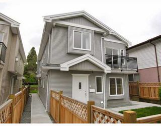 Photo 7: 5821 WOODSWORTH Street in Burnaby: Central BN House 1/2 Duplex for sale (Burnaby North)  : MLS®# V772364
