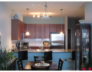 """Photo 1: 406 10180 153RD Street in Surrey: Guildford Condo for sale in """"CHARLTON PARK"""" (North Surrey)  : MLS®# F2913521"""