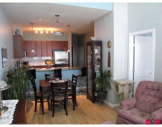 """Photo 6: 406 10180 153RD Street in Surrey: Guildford Condo for sale in """"CHARLTON PARK"""" (North Surrey)  : MLS®# F2913521"""