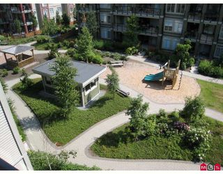 """Photo 9: 406 10180 153RD Street in Surrey: Guildford Condo for sale in """"CHARLTON PARK"""" (North Surrey)  : MLS®# F2913521"""