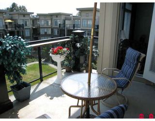 """Photo 7: 406 10180 153RD Street in Surrey: Guildford Condo for sale in """"CHARLTON PARK"""" (North Surrey)  : MLS®# F2913521"""