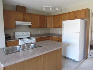 Photo 2: 44, 14803 Miller Boulevard in Edmonton: House Half Duplex for rent