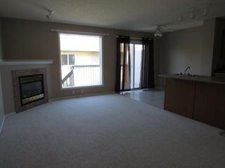 Photo 3: 44, 14803 Miller Boulevard in Edmonton: House Half Duplex for rent