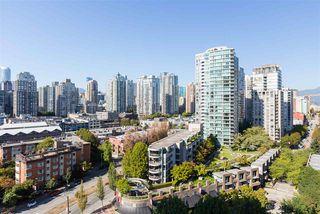 "Photo 10: 1706 193 AQUARIUS Mews in Vancouver: Yaletown Condo for sale in ""Marinaside Resort Residences"" (Vancouver West)  : MLS®# R2404326"