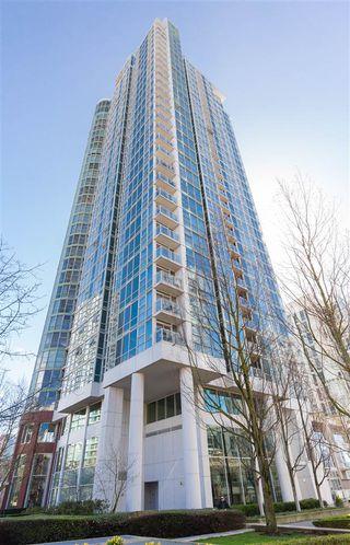 "Photo 18: 1706 193 AQUARIUS Mews in Vancouver: Yaletown Condo for sale in ""Marinaside Resort Residences"" (Vancouver West)  : MLS®# R2404326"