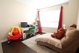 Photo 14: 320 15210 GUILDFORD Drive in Surrey: Guildford Condo for sale (North Surrey)  : MLS®# R2412336