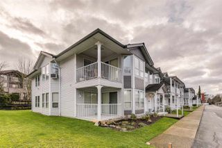 """Photo 2: 29 12296 224 Street in Maple Ridge: East Central Townhouse for sale in """"THE COLONIAL"""" : MLS®# R2432435"""