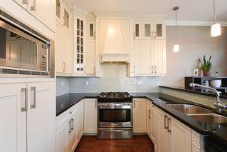 Photo 6: 390 55 Street in Delta: Pebble Hill House 1/2 Duplex for sale (Tsawwassen)  : MLS®# R2447320