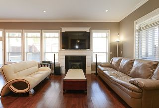 Photo 10: 390 55 Street in Delta: Pebble Hill House 1/2 Duplex for sale (Tsawwassen)  : MLS®# R2447320