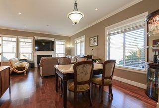 Photo 13: 390 55 Street in Delta: Pebble Hill House 1/2 Duplex for sale (Tsawwassen)  : MLS®# R2447320