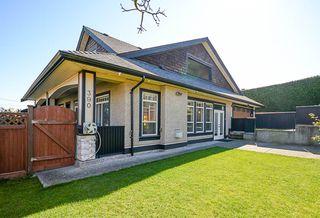 Photo 5: 390 55 Street in Delta: Pebble Hill House 1/2 Duplex for sale (Tsawwassen)  : MLS®# R2447320