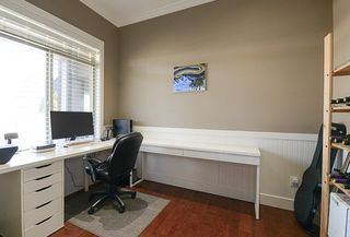 Photo 17: 390 55 Street in Delta: Pebble Hill House 1/2 Duplex for sale (Tsawwassen)  : MLS®# R2447320