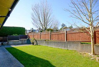 Photo 7: 390 55 Street in Delta: Pebble Hill House 1/2 Duplex for sale (Tsawwassen)  : MLS®# R2447320