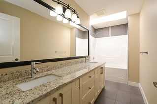 Photo 16: 390 55 Street in Delta: Pebble Hill House 1/2 Duplex for sale (Tsawwassen)  : MLS®# R2447320