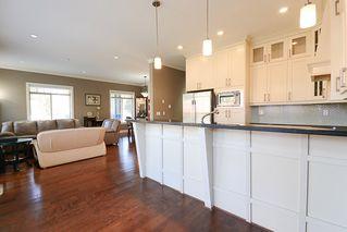 Photo 8: 390 55 Street in Delta: Pebble Hill House 1/2 Duplex for sale (Tsawwassen)  : MLS®# R2447320