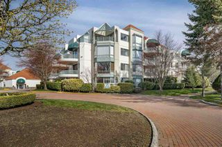 "Main Photo: 301 1785 MARTIN Drive in Surrey: Sunnyside Park Surrey Condo for sale in ""SOUTHWYND"" (South Surrey White Rock)  : MLS®# R2469501"