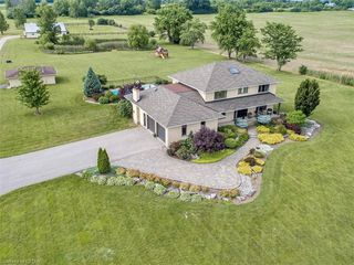 Photo 1: 6501 WESTMINSTER Drive in London: South GG Farm for sale (South)  : MLS®# 268964