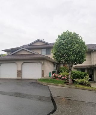 """Main Photo: 10 2023 WINFIELD Drive in Abbotsford: Abbotsford East Townhouse for sale in """"MEADOW VIEW ESTATES"""" : MLS®# R2470862"""