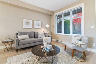 Photo 2: 5591 WILLOW Street in Vancouver: Cambie Townhouse for sale (Vancouver West)  : MLS®# R2516384
