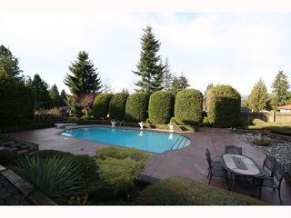 """Photo 9: 6404 CHARING Court in Burnaby: Buckingham Heights House for sale in """"Buckingham Heights"""" (Burnaby South)  : MLS®# V814427"""