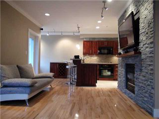"Photo 2: 203 118 W 22ND Street in North Vancouver: Central Lonsdale Condo for sale in ""THE SENTRY"" : MLS®# V868401"