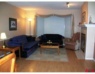 "Photo 2: 1 16318 82ND Avenue in Surrey: Fleetwood Tynehead Townhouse for sale in ""HAZELWOOD LANE"" : MLS®# F2830816"
