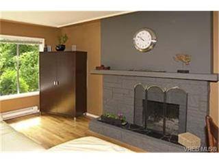 Photo 2:  in VICTORIA: SE Cedar Hill Half Duplex for sale (Saanich East)  : MLS®# 438729