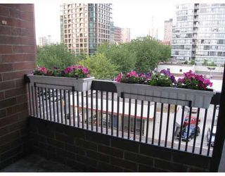 "Photo 9: 608 950 DRAKE Street in Vancouver: Downtown VW Condo for sale in ""ANCHOR POINT II"" (Vancouver West)  : MLS®# V771024"