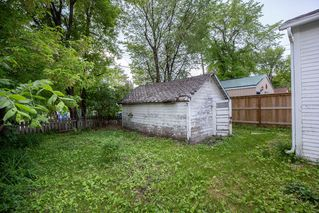 Photo 3: 1060 McMillan Avenue in Winnipeg: Residential for sale (1B)  : MLS®# 1918138