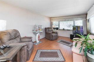 """Photo 2: 89 7790 KING GEORGE Boulevard in Surrey: East Newton Manufactured Home for sale in """"Crispen Bays Community"""" : MLS®# R2395552"""