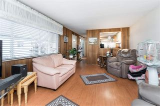 """Photo 3: 89 7790 KING GEORGE Boulevard in Surrey: East Newton Manufactured Home for sale in """"Crispen Bays Community"""" : MLS®# R2395552"""