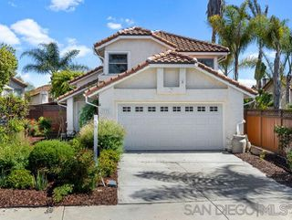 Photo 1: OCEANSIDE House for sale : 3 bedrooms : 1775 Corta Cresta