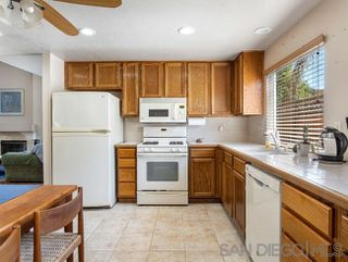 Photo 10: OCEANSIDE House for sale : 3 bedrooms : 1775 Corta Cresta