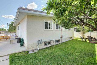 Photo 5: 5504 89 Avenue in Edmonton: Zone 18 House for sale : MLS®# E4206181