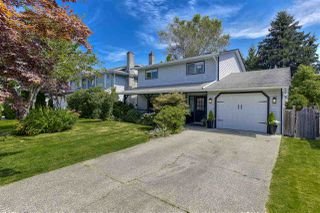 Photo 2: 9416 214 Street in Langley: Walnut Grove House for sale : MLS®# R2478651