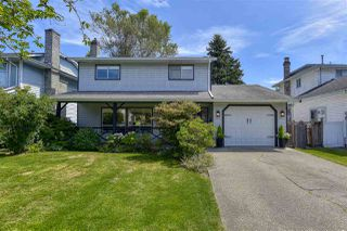 Photo 1: 9416 214 Street in Langley: Walnut Grove House for sale : MLS®# R2478651