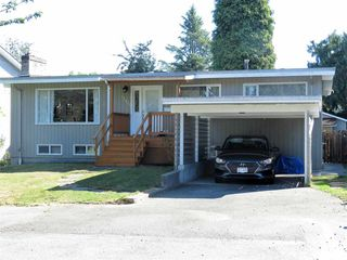 Photo 1: 12430 208 Street in Maple Ridge: Northwest Maple Ridge House for sale : MLS®# R2496067