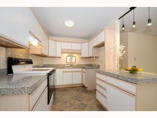 Photo 5: UNIVERSITY CITY Townhome for sale : 2 bedrooms : 9691 Caminito Del Feliz in San Diego