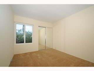 Photo 9: UNIVERSITY CITY Townhome for sale : 2 bedrooms : 9691 Caminito Del Feliz in San Diego