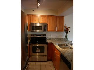 """Photo 4: 21 939 W 7TH Avenue in Vancouver: Fairview VW Townhouse for sale in """"MERIDIAN COURT"""" (Vancouver West)  : MLS®# V829669"""