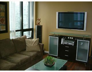 Photo 1: 1602 909 MAINLAND Street in Vancouver: Downtown VW Condo for sale (Vancouver West)  : MLS®# V752345