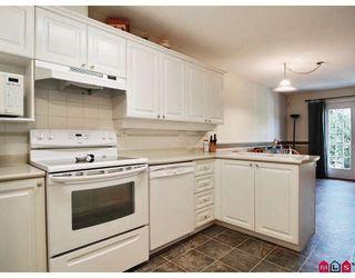 "Photo 3: 11 8675 WALNUT GROVE Drive in Langley: Walnut Grove Townhouse for sale in ""CEDAR CREEK"" : MLS®# F2908957"