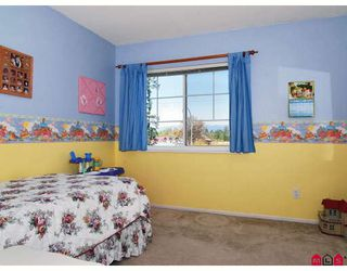 "Photo 10: 11 8675 WALNUT GROVE Drive in Langley: Walnut Grove Townhouse for sale in ""CEDAR CREEK"" : MLS®# F2908957"