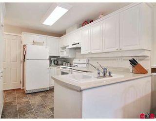 "Photo 2: 11 8675 WALNUT GROVE Drive in Langley: Walnut Grove Townhouse for sale in ""CEDAR CREEK"" : MLS®# F2908957"