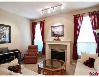 "Photo 4: 11 8675 WALNUT GROVE Drive in Langley: Walnut Grove Townhouse for sale in ""CEDAR CREEK"" : MLS®# F2908957"