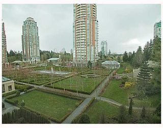 "Photo 2: 507 7388 SANDBORNE Avenue in Burnaby: South Slope Condo for sale in ""MAYFAIR PLACE II"" (Burnaby South)  : MLS®# V766045"