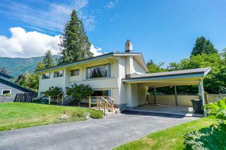 Main Photo: 1065 MARIGOLD Place in North Vancouver: Canyon Heights NV House for sale : MLS®# R2389090