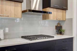 Photo 15: 11249 78 Avenue in Edmonton: Zone 15 House for sale : MLS®# E4190130