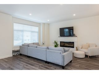 """Photo 3: 17 7740 GRAND Street in Mission: Mission BC Townhouse for sale in """"The Grand"""" : MLS®# R2445062"""